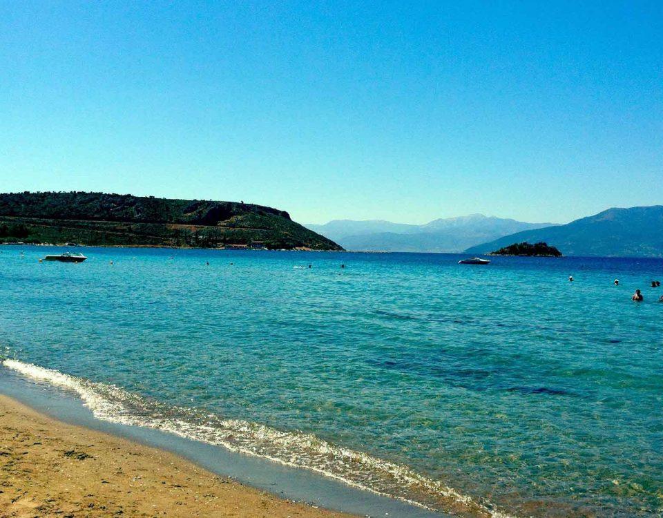 10 παραλίες στην Αργολίδα για να απολαύσετε τα καθαρά νερά της!